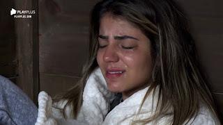 Hari Almeida chora na Casa da Árvore após perder o sono