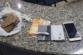 http://vnoticia.com.br/noticia/2683-pm-prende-elemento-em-santa-clara-acusado-de-trafico-de-drogas