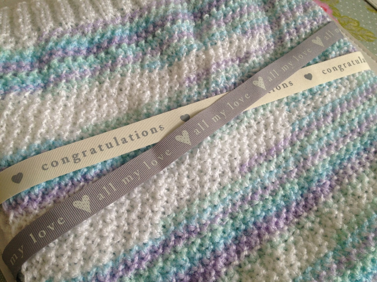 DIY: Cute and Simple Moss Stitch Baby Blanket | Fizzy Peaches ...
