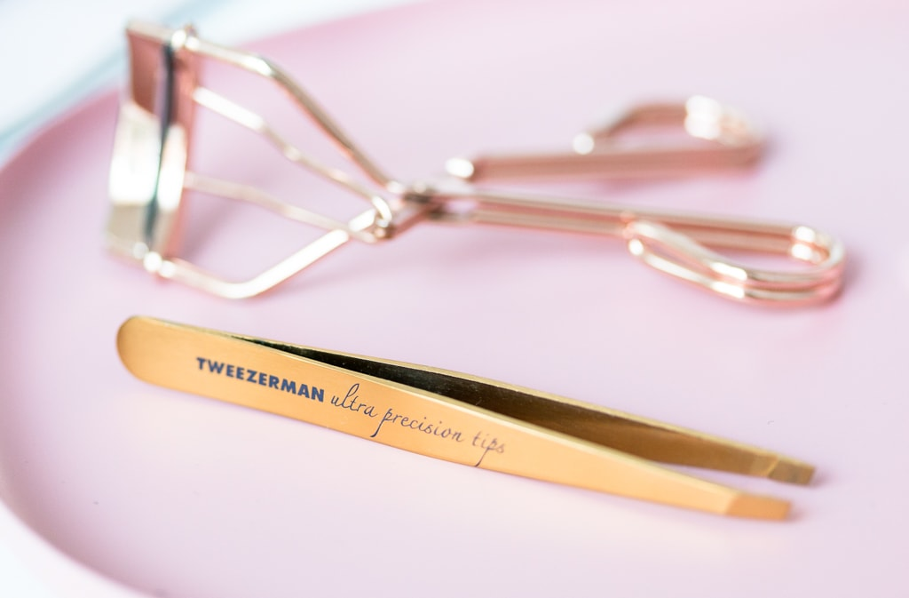 Drei liebste Beautytools Tweezerman TiN Coated Slant Tweezer Pinzette
