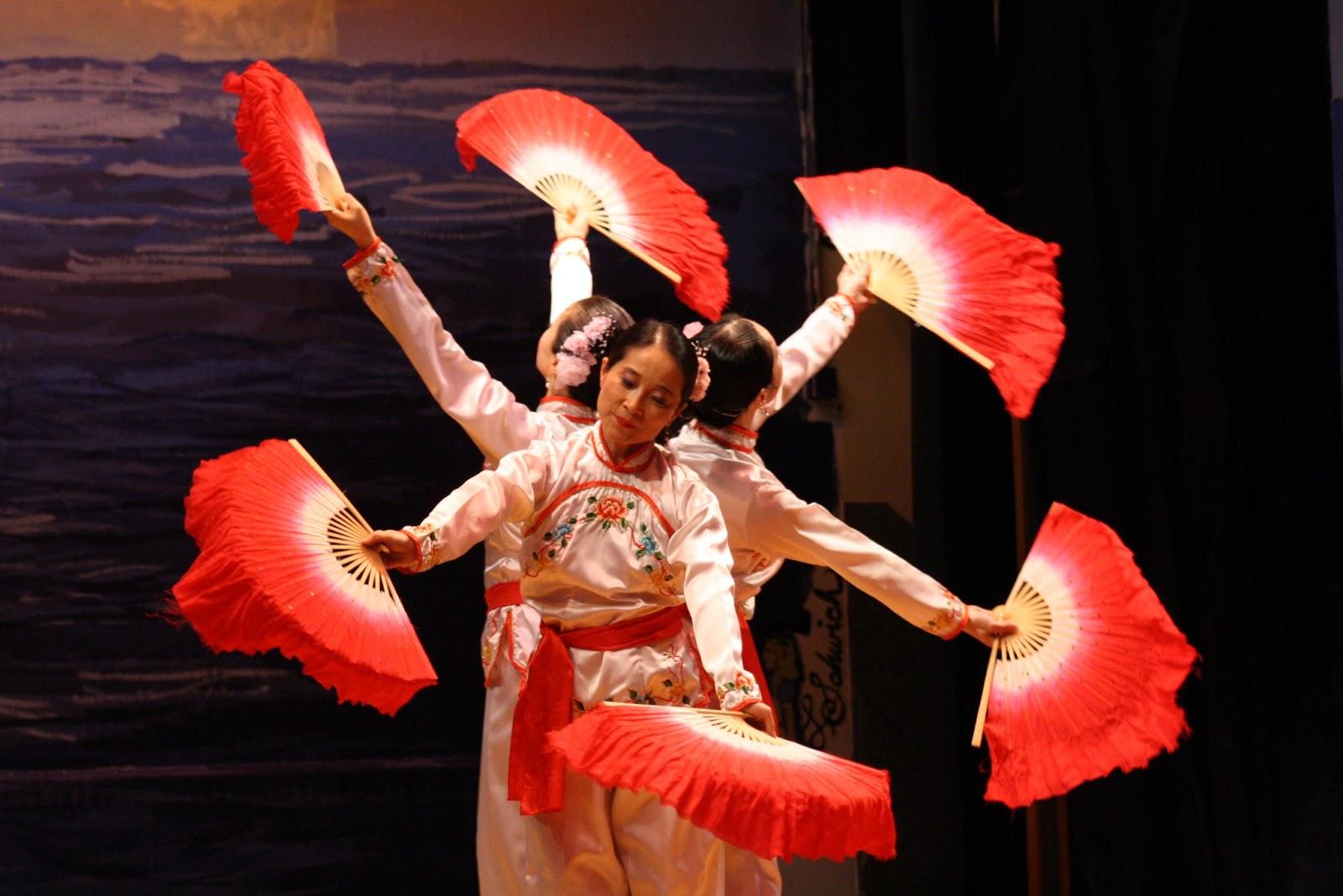 китаянки танец с веерами картинки вас