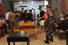 TNI-Polri dan Tim Gugus Tugas Covid-19 Sambas Imbau Warga Patuhi Protokol Kesehatan