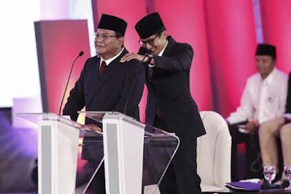 Debat Pilpres Pertama Memanas, Ada Kejadian Lucu Terjadi. Prabowo Joget Lalu Pundaknya Dipijat Sandi
