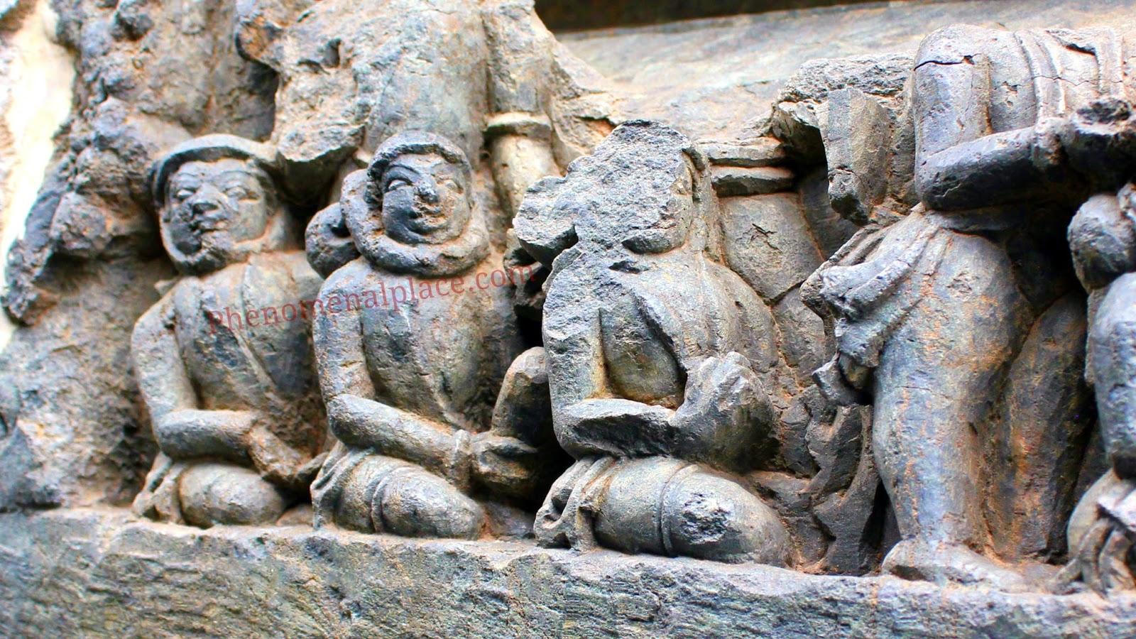 ancient astronauts carved in halebidu temple hoysaleswara temple