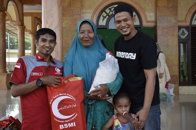 BSMI Gandeng GJS, Salurkan Paket Lebaran untuk Muallaf di Galang