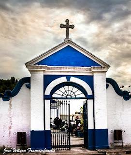 Portão do Cemitério São Miguel, em Iguape.(Crédito: José Wilson Francischinelli)