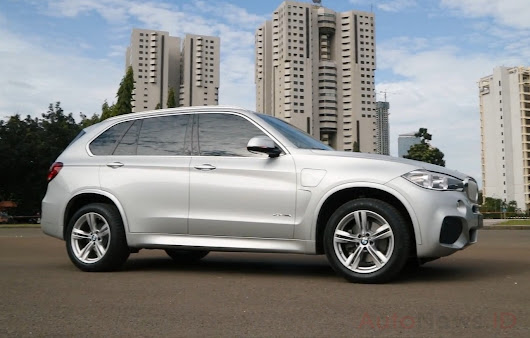 BMW X5 xDrive 40e Hybrid Review