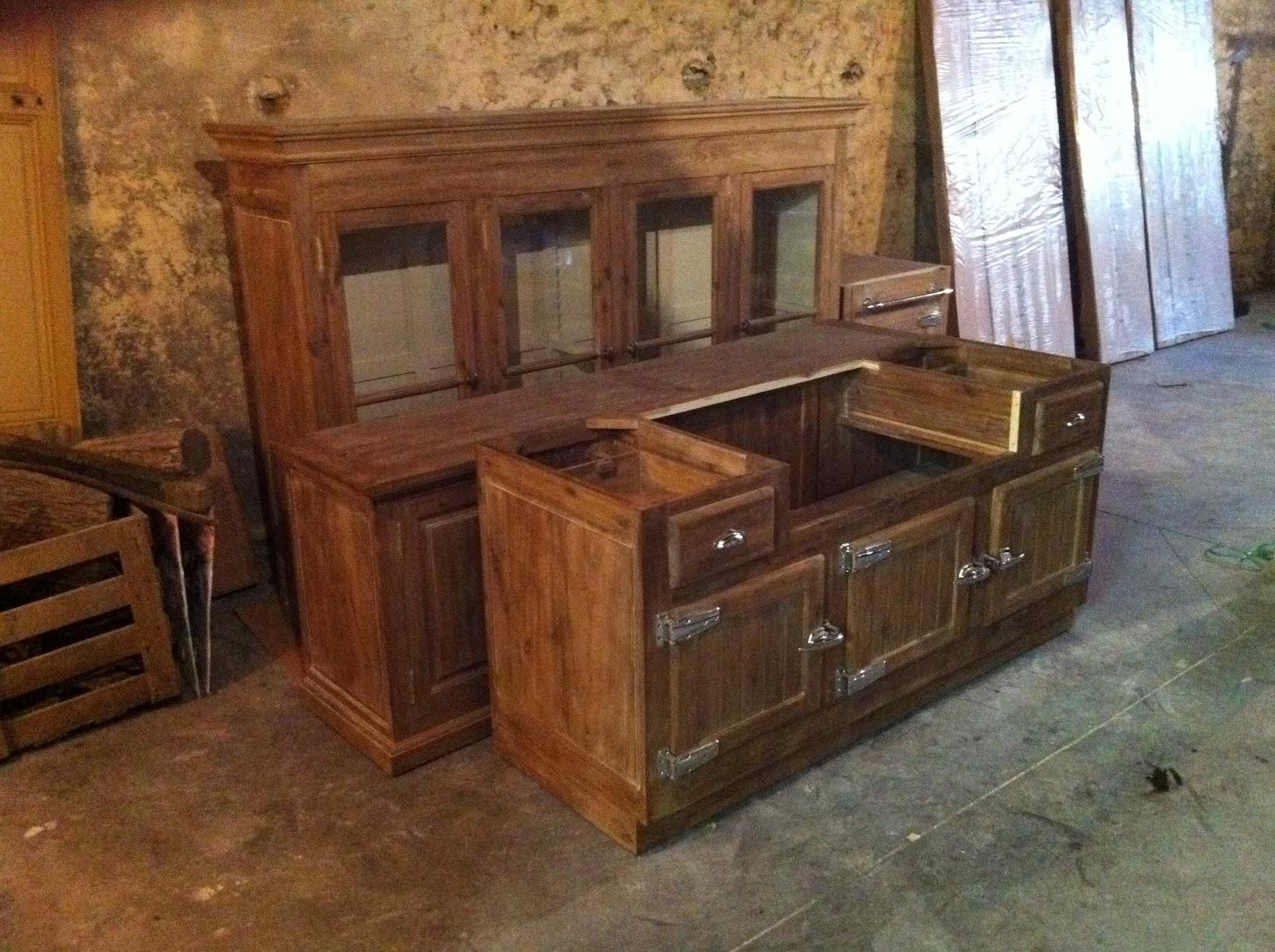 meubles de cuisine une maison retaper. Black Bedroom Furniture Sets. Home Design Ideas