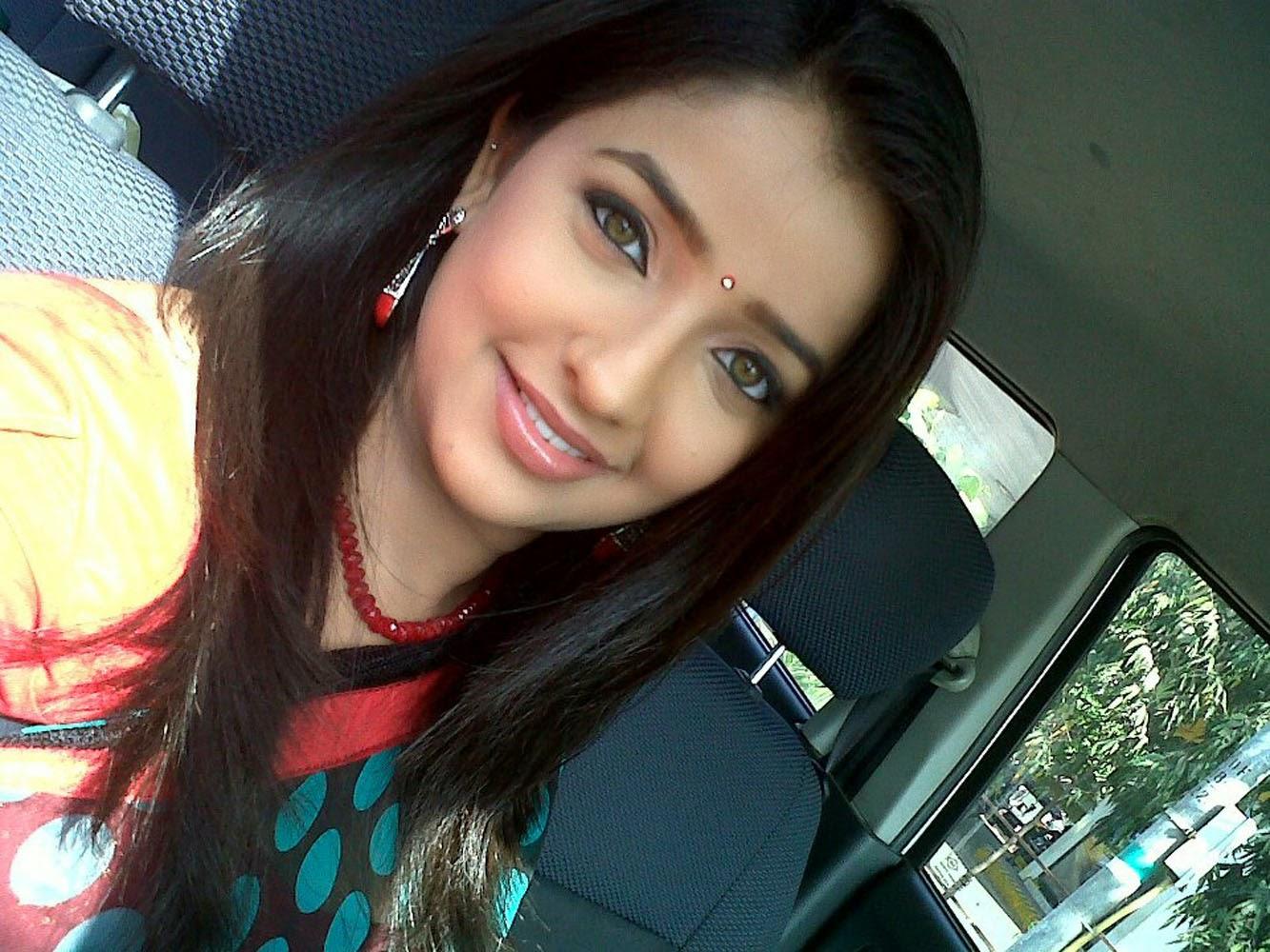 Apurva Nemlekar Hot Sexy Eyees Lips Marathi Girl Images-2667