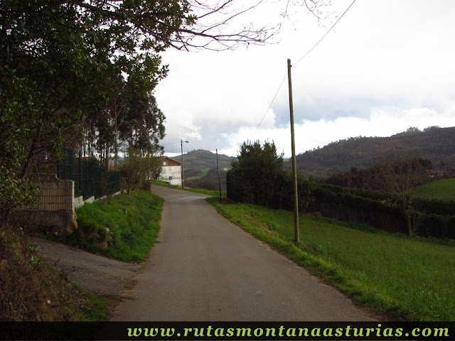 Atravesando Fontecaliente, en Corvera