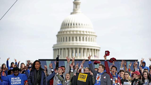 """""""March for Our Lives"""" လႈပ္ရွားမႈ ခ်ီတက္ပြဲ လူသိန္းခ်ီ တက္ေရာက္"""