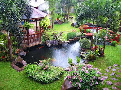 Desain Taman Rumah Bernuansa Klasik