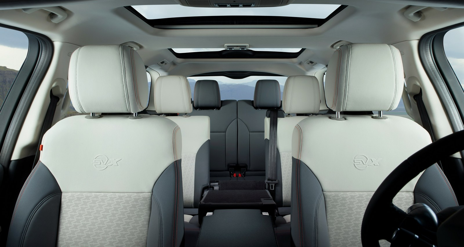 2016 - [Land Rover] Discovery V - Page 6 Land-Rover-Discovery-SVX-7