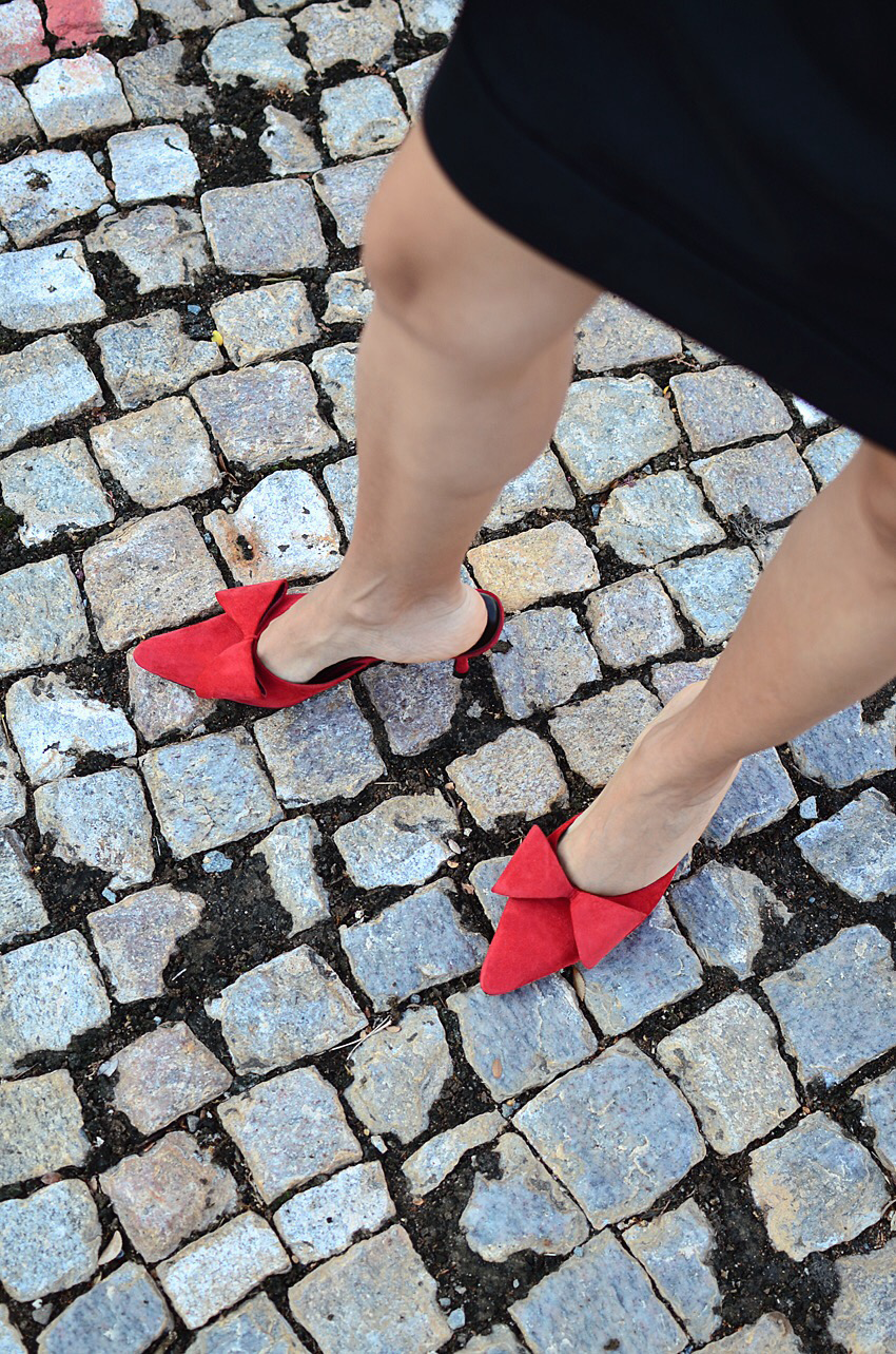 Bow shoes street style