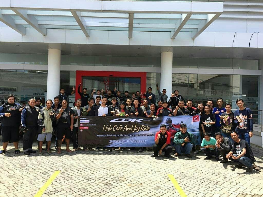 Komunitas Honda Ikuti CBR Hub Cafe and Joy Ride di Lampung