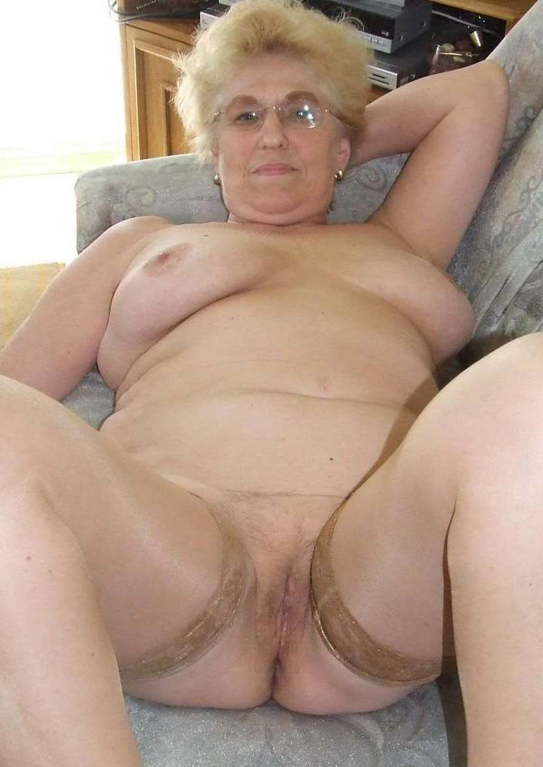 Talented Hott naked gran sex