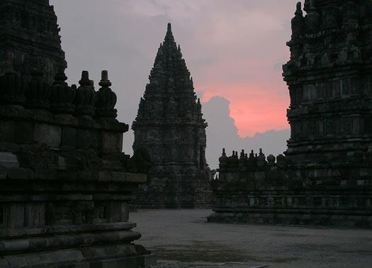 Foto Obyek Wisata Candi Prambanan Yogyakarta  Nano Pertapan