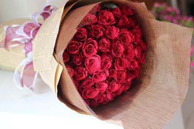 hoa sinh nhat mau do cho nguoi menh hoa