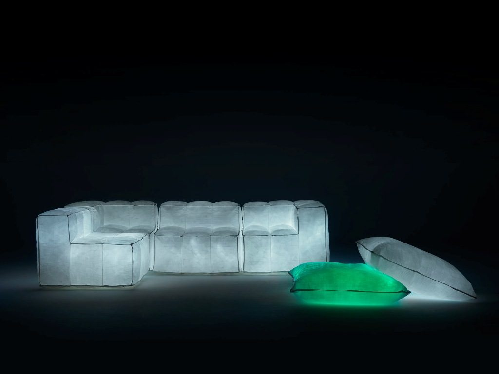 Futuristic Interior Design: Futuristic Sofas and Poufs