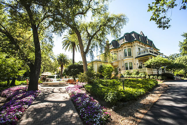 Book today at Madrona Manor, an award winning hotel & restaurant in Healdsburg California. In the beautiful wine country with a great location & amenities!