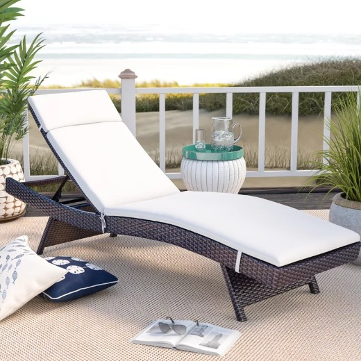 Resort Style Chaise Lounges