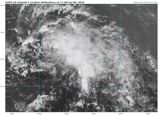 Beryl dejaría acumulados de lluvia de hasta 100 milímetros; hay 14 provincias en alerta
