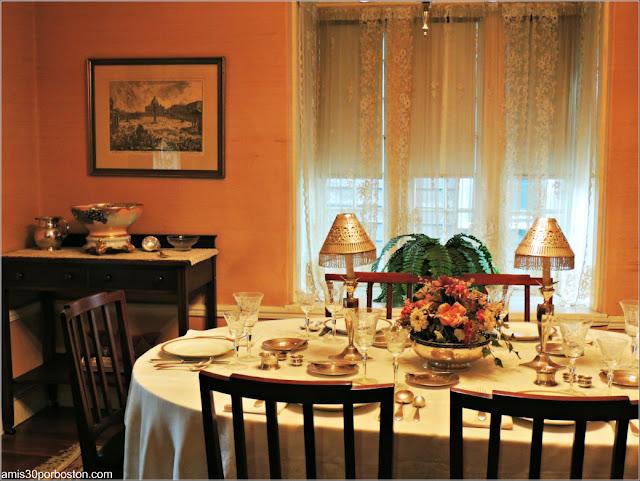 Casa de Nacimiento de Jonh F. Kennedy: Mesa del Comedor