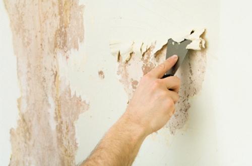 come-sverniciare-muro-interno