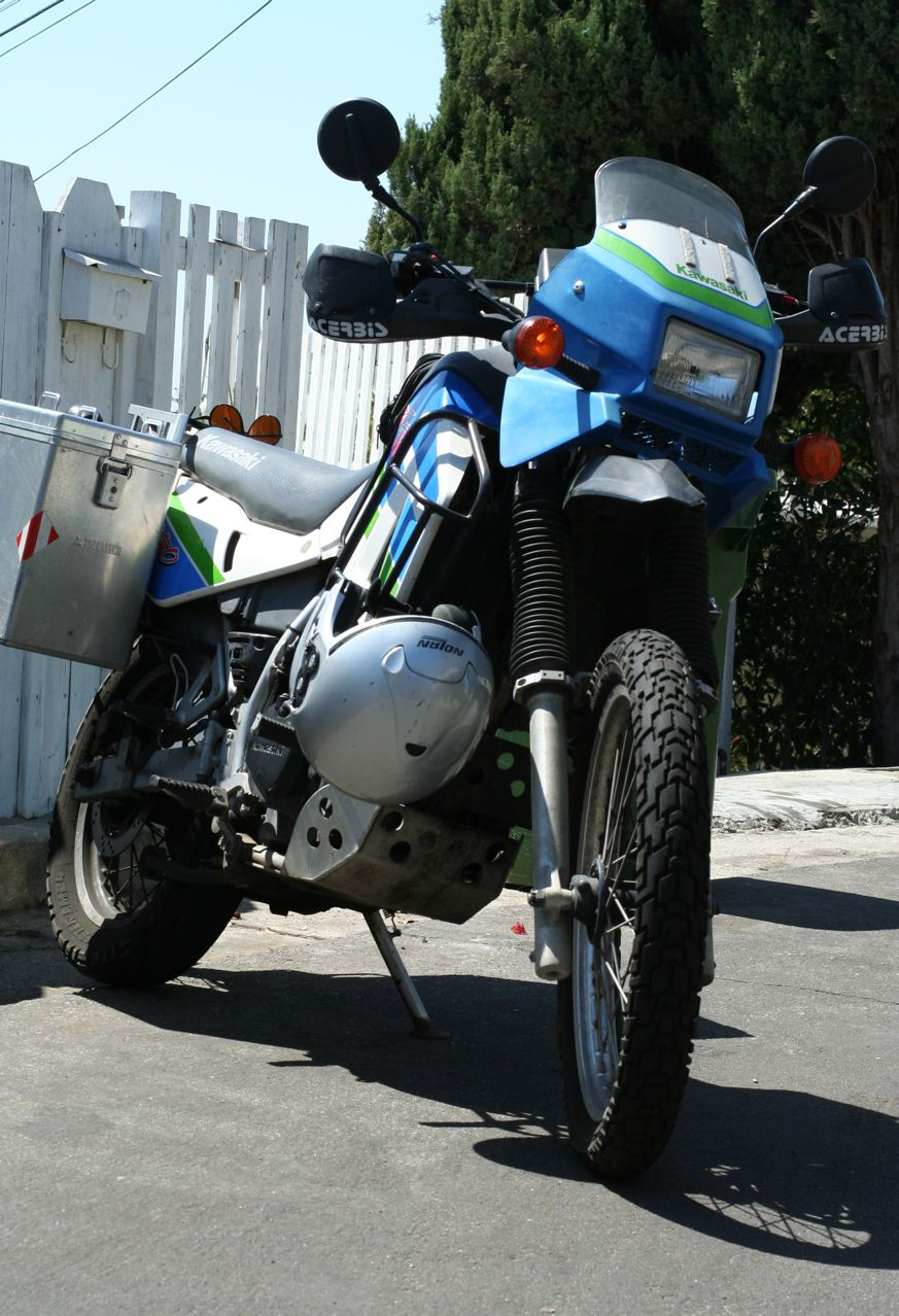 urban touring, when everywhere is an adventure: Kawasaki KLR