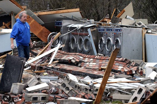 Tornado_damage_as_seen_in_Waverly_Virginia