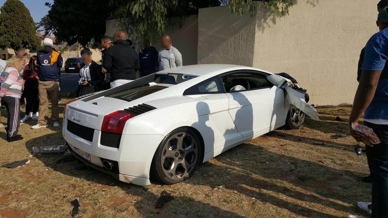 Lamborghini Gallardo That Crashed In Johannesburg Looks Like Total Loss