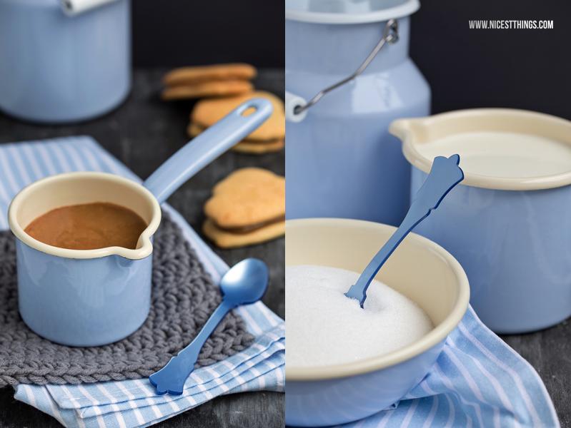Emaille Geschirr Hellblau und Alfajores Rezept