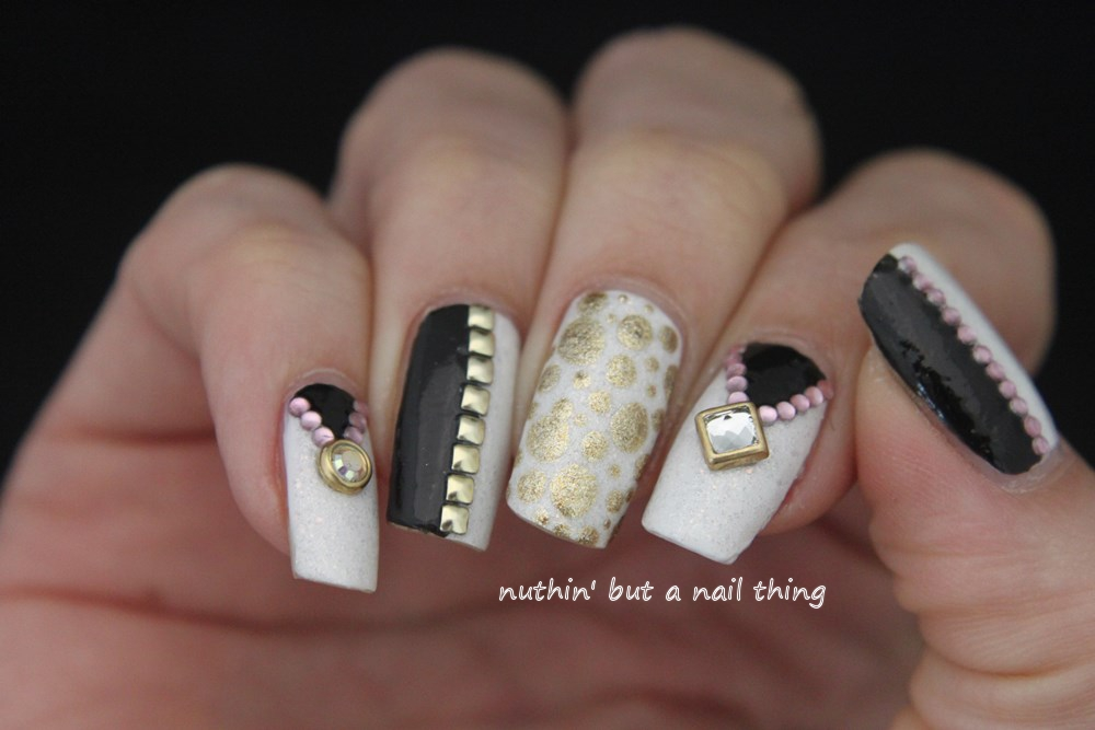 nuthin\' but a nail thing: Black, gold and white nail art