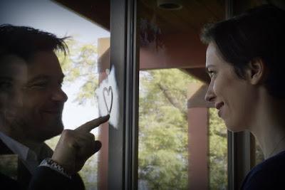 Jason Bateman (Simon) y Rebecca Hall (Robyn)
