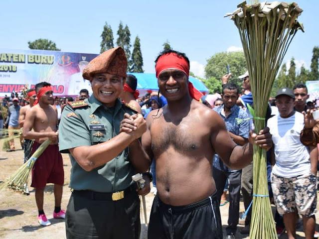 Potensial Tarik Wisatawan, Hartono Apresiasi Festival Bupolo di Kabupaten Buru