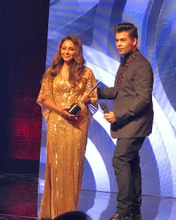 """Gauri Khan says """"this one is for you"""" on winning first award!.jpg"""