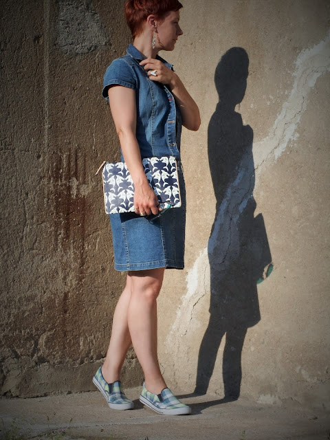 Hilfiger denim shirt dress, Max&Co. shark clutch, plaid slip ons | Funky Jungle - Mindful fashion & quirky personal style blog