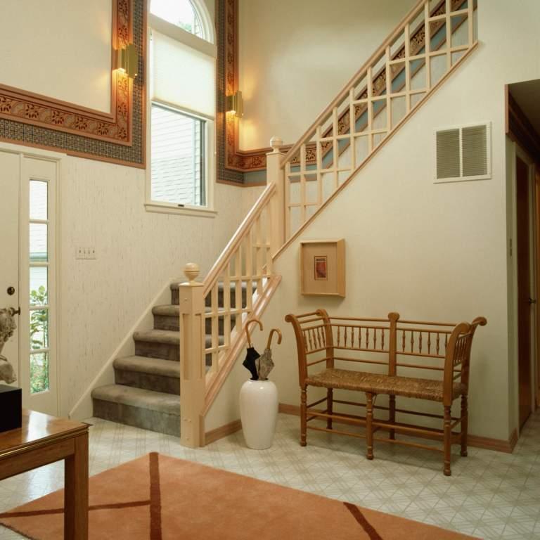 40 model tangga kayu minimalis dan modern - Stairs in a small space model ...