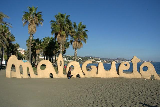 napis Malagueta na plaży, gdzie, jak trafić?