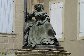 Estatua de la Marquesa de Sévigné en Grignan.