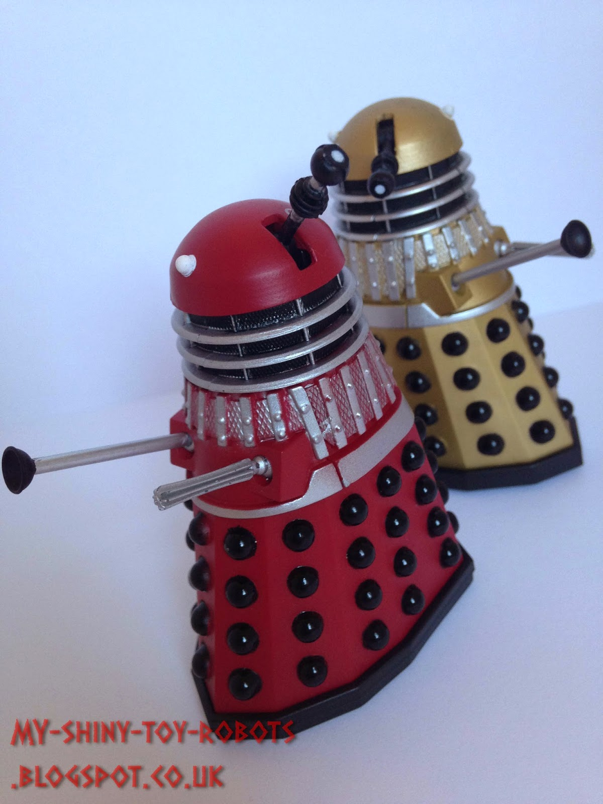 Daleks together