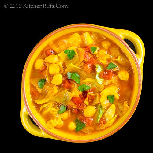 Vegan Mulligatawny Soup with Cabbage
