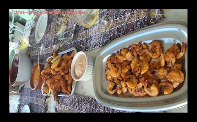 queijo coalho assado com mel de engenho; comida de praia; comida nordestina; almoço praiano; frutos do mar