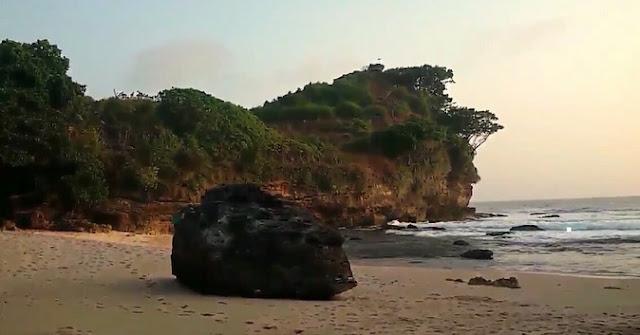 Pantai Ngetun Gunung Kidul Yogyakarta