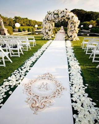 pasillo matrimonial decoracion blanca