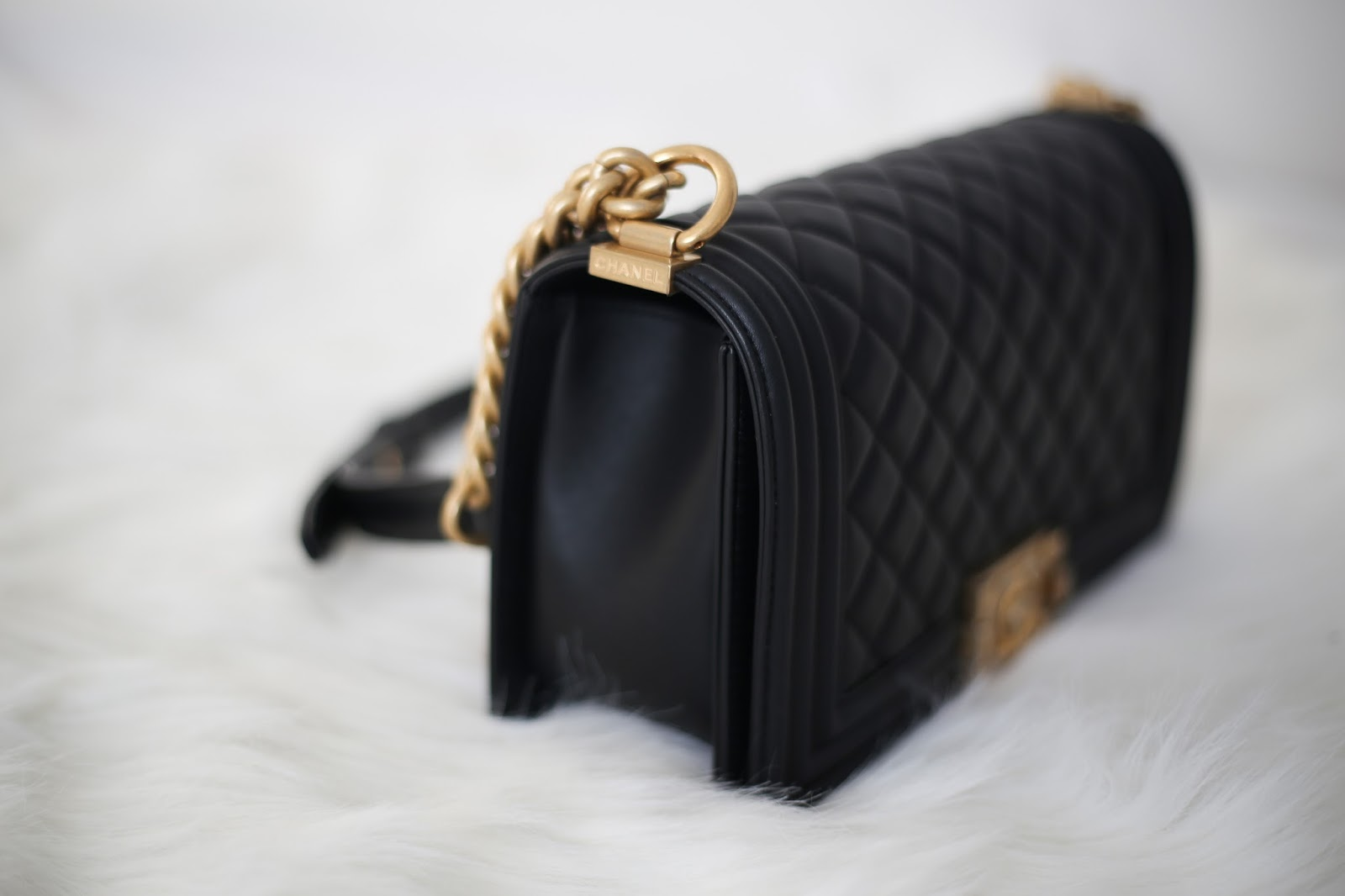 18f43f144af4 Chanel Le Boy Old Medium Bag Review
