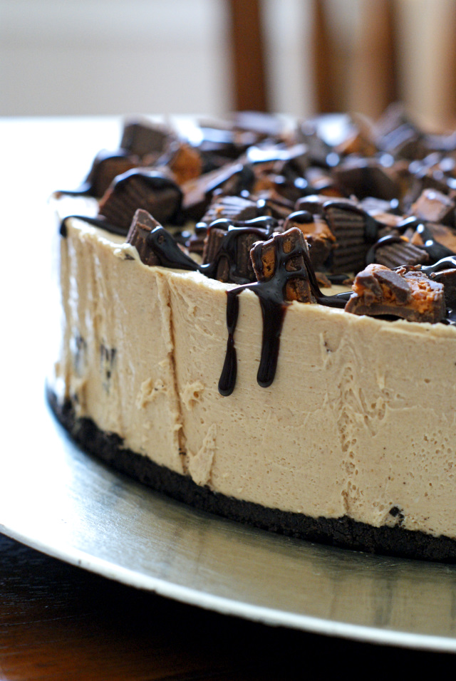 With an Oreo cookie crust and sweet peanut butter cups in every bite, this silky no-bake cheesecake is simply irresistible!