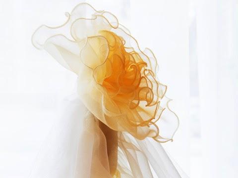 窗紗做成花朵圖案裝飾