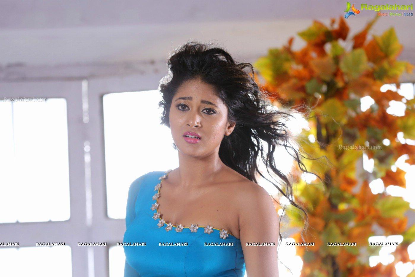 Sushma Raj in Beautiful Transparent Shiffon Low Rise Saree and Blue Choli Spicy Pics