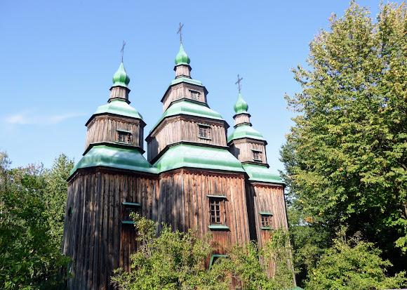 Пирогів. Музей народної архітектури та побуту. Церква св. Параскеви. 1742 р.